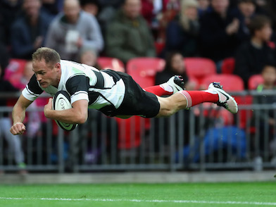 Andy Ellis scores for the Barbarians